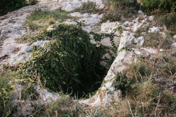 Ghajn Klieb tomb 2